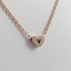 Jewelry - Letter V heart love necklace rose tone new